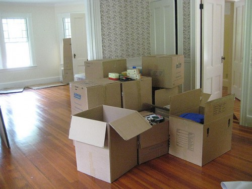 How to Organize Your Finances During a Move